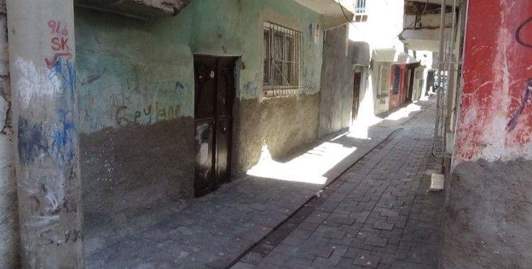 Diyarbakır'da bir kadın silahla vurulmuş halde bulundu