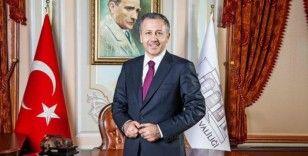Yerlikaya: Ayasofya Camisi'nde namaz kılınacak alanlara girişler yarın saat 10.00'da başlayacak