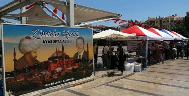 Aydın'da Ayasofya-i Kebir Camii'nin yeniden ibadete açılması dolayısıyla lokma hayrı yapıldı