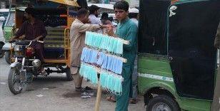 Pakistan'da Kovid-19 vakası sayısı 270 bini aştı
