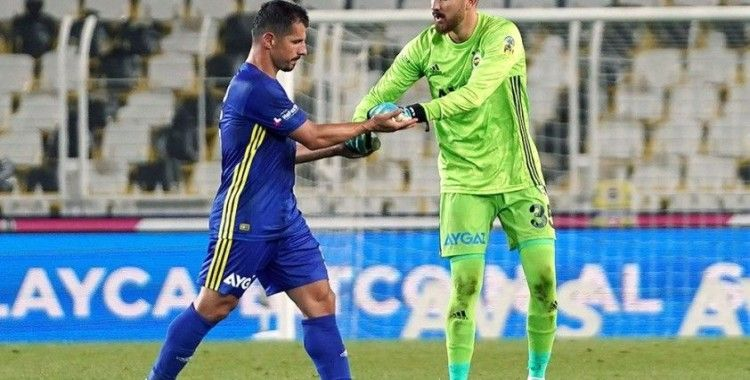 Emre Belözoğlu futbola veda etti
