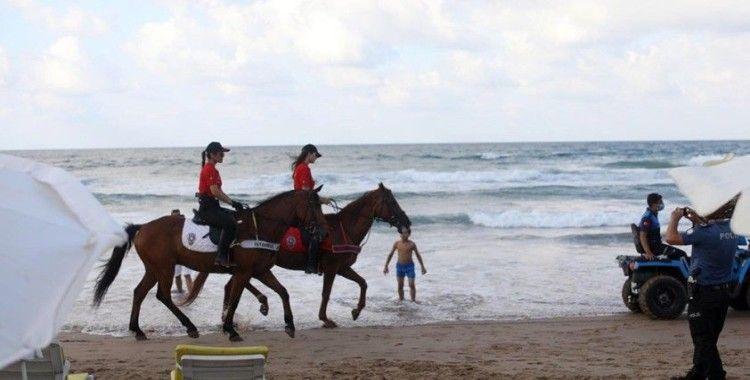 Şile'de plajlar atlı polislere emanet