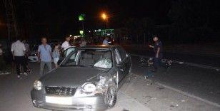 Otomobille çarpışan motosikletin sürücüsü yaralandı