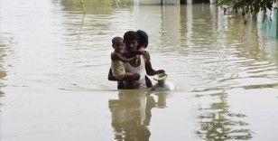 Hindistan'ın Assam ve Bihar eyaletlerinde sel ve heyelanlarda ölenlerin sayısı 135'e yükseldi