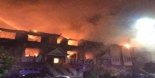 Kanada'da 11 ev kül oldu