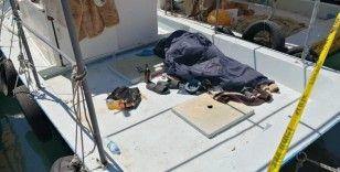 Teknenin içinde ölü bulundu