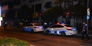 İzmir polisi fuhuşa geçit vermiyor