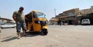 Iraklı eski asker, komutanlarının Musul'dan kaçmasının faturasını tuk tuk şoförlüğü yaparak ödüyor