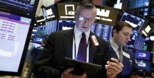 Küresel Piyasalar: Hisseler Fed öncesi dalgalı, dolar hafif geriledi