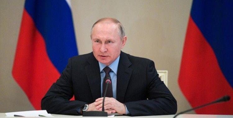 Putin: Rusya'da koronavirüs durumu herhangi bir yöne hareket edebilir