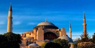 BM: Ayasofya kültürlerarası diyalog mekanı olarak kalmalı