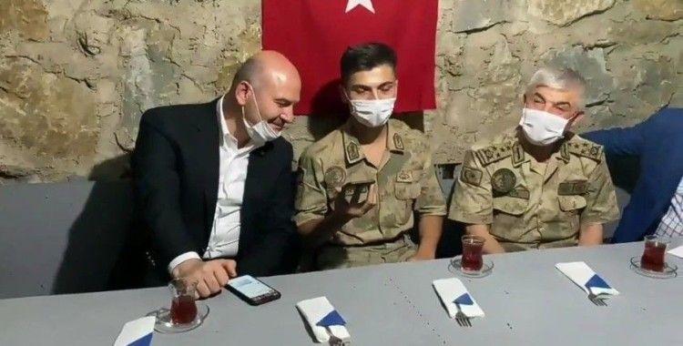 Bakan Soylu, Çorumlu Mehmetçiğin ailesiyle görüştü