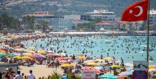 Turizm merkezi Çeşme bayramı 'dolu dolu' geçiriyor