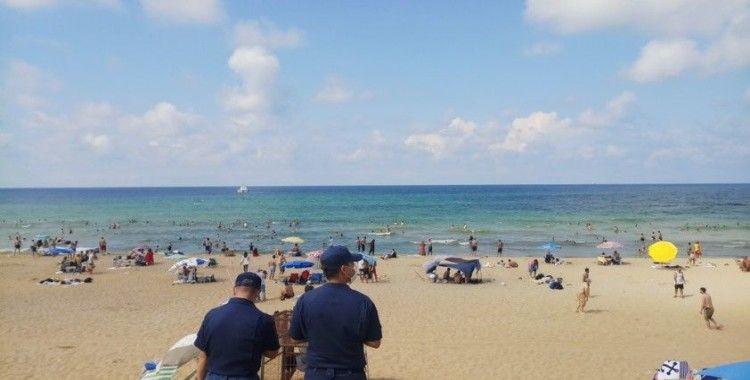 Sahil Güvenlik Komutanlığı ekiplerinden sosyal mesafe uyarısı