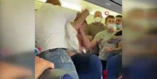 Maske takmayı reddedince yolculardan yumruklu tepki geldi