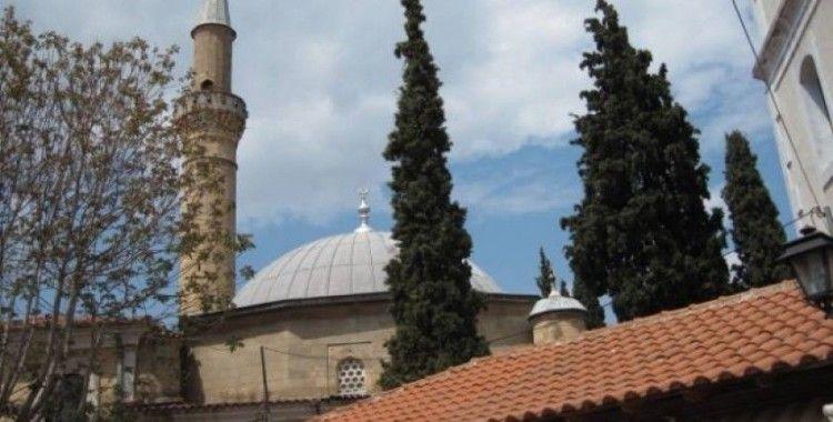 Yunanistan'da camiye saldırı