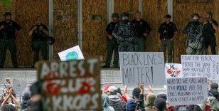 ABD'nin Portland kentinde polis ırkçılık karşıtı protestoları 'yasa dışı' ilan etti