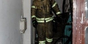 Fatih'te daire yangını