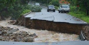 Güney Kore'deki sel felaketinde ölü sayısı 13'e yükseldi