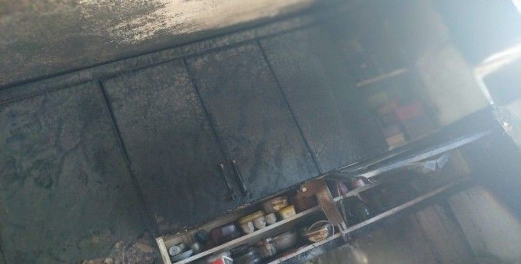 Kula Köyü'nde ev yangını