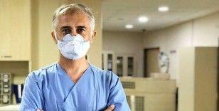 Koronavirüs yüzünden ölümden dönen doktor: Bu kadar duyarsızlık olduğu sürece bu salgının devam edeceği aşikar
