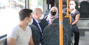 İçişleri Bakanı Soylu halk otobüsüne binerek koronavirüse karşı vatandaşları uyardı
