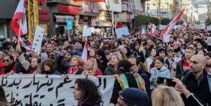 Beyrut'ta parlamento binası yakınlarında protesto