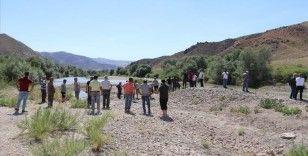 Kayseri'de Kızılırmak'a giren baba ve 2 çocuğu boğuldu