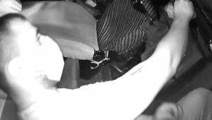 Minibüs hırsızı kameralara böyle yakalandı