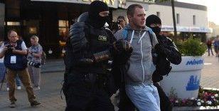 Belarus'ta polis müdahalesine rağmen seçim protestoları devam ediyor