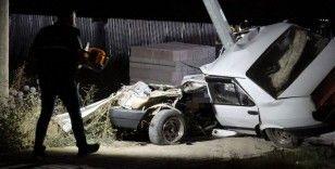 Feci kaza: Otomobil iki bölündü
