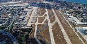 Seferler başlayınca Atatürk Havalimanı pistinde park eden uçaklar azaldı