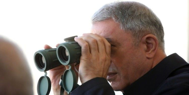 Bakan Akar Azerbaycan'da icra edilen tatbikatı izledi