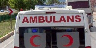 Seyir halindeki motosiklet devrildi; 2 yaralı