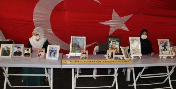HDP önündeki ailelerin evlat nöbeti 348'inci gününde