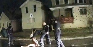 Siyahi Prude'un ölümüne yol açan polisler görevinden uzaklaştırıldı