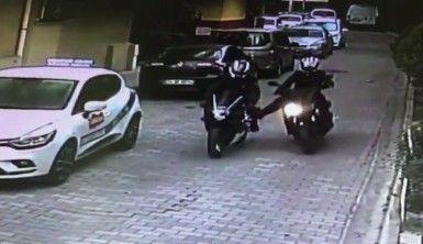 Fatih'te motosiklet hırsızları böyle görüntülendi