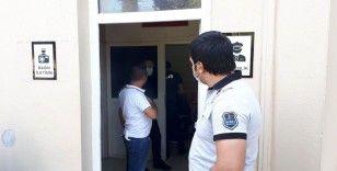 Evlendirme dairesinde para isteyen kişiyi polis gözaltına aldı
