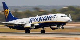 Polonya'dan Yunanistan'a giden yolcu uçakta korona olduğunu öğrendi