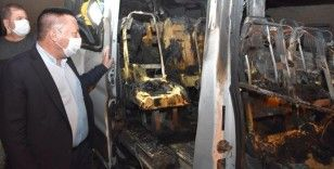 Bağlar Belediyesi yine terörün hedefinde: Temizlik aracından sonra bu kez servis aracı yakıldı