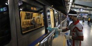Hindistan Kovid-19 salgınına rağmen ülkenin en işlek metro ağını hizmete açtı
