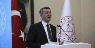 Milli Eğitim Bakanı Selçuk'tan imam hatiplilerle ilgili sözlere tepki