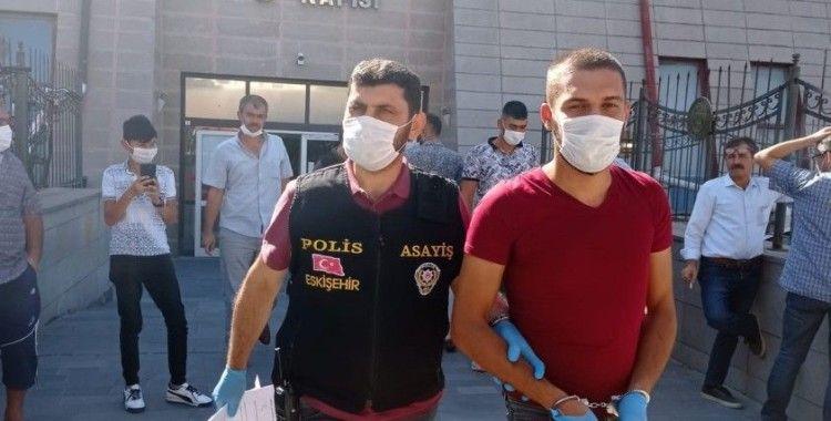 60 bin liralık ziynet eşyası çalan şüpheliler tutuklandı