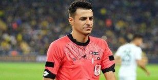 Trabzonspor - Beşiktaş maçında Ali Şansalan düdük çalacak