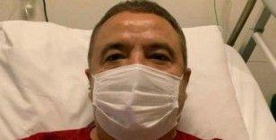 Koronavirüs tedavisi gören Antalya Büyükşehir Belediye Başkanı Muhittin Böcek'in tedbir amaçlı olarak uyutulduğu açıklandı