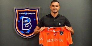 Medipol Başakşehir, Nacer Chadli'yi transfer etti