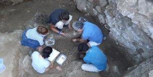 Antalya'da 2000-2200 yaşlarında 50'den fazla heykelcik bulundu