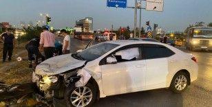 Ehliyetsiz sürücü kırmızı ışıkta geçerek kazaya neden oldu, olay yerinden kaçtı