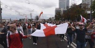 Belarus'ta muhalefet sıra dışı taktikler kullanıyor