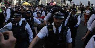 Londra'daki Extinction Rebellion protestolarında 680 kişi gözaltına alındı